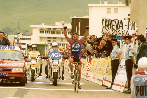 Robert Conti wins stage 16 at Alpe d'Huez in the 1994 Tour de France