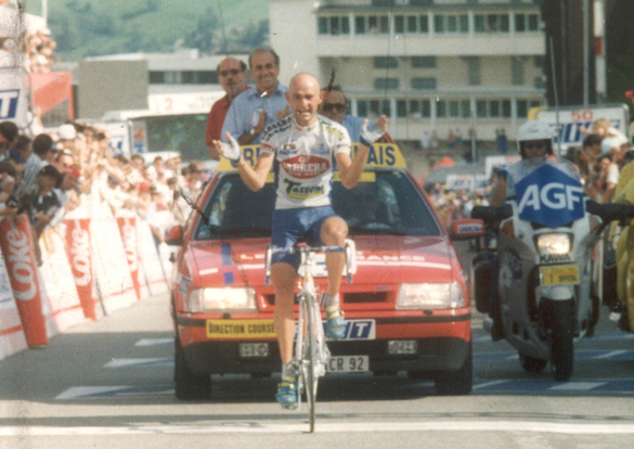 Marco pantani wins stage 10 of the 1995 Tour de France