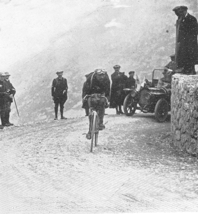 Marcel Buysse crest the Galibier
