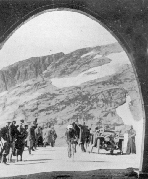 Phillipe thys in the 1914 Tour de france on the Galibier
