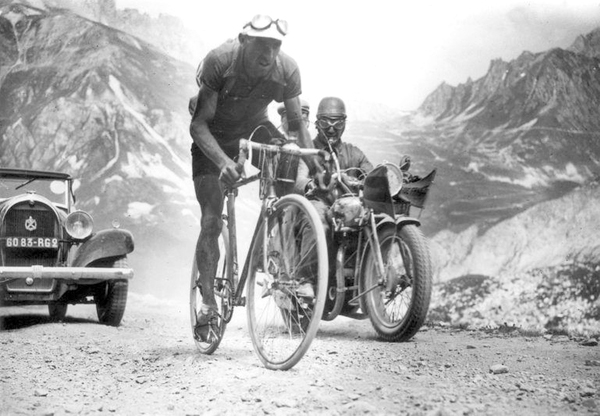 Federico Ezquerra leading over the Galibier in 1934