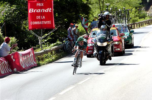 Thomas Voeckler descends the Peyresourde