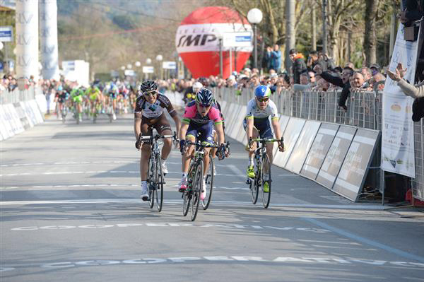 Diego Ulissi wins the GP Camaiore