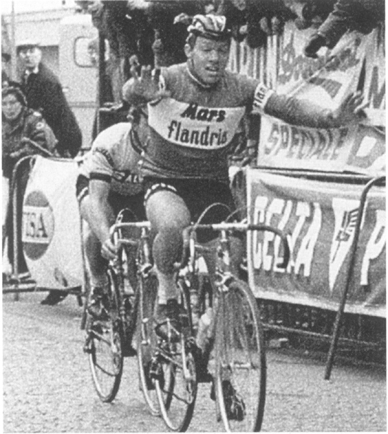 Eric Leman wins the 1970 Ronde van Vlaanderen