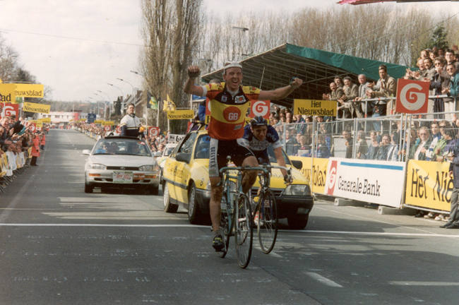 Johan Museeuw beat Frans Massen in the 1993 Tour of Flanders