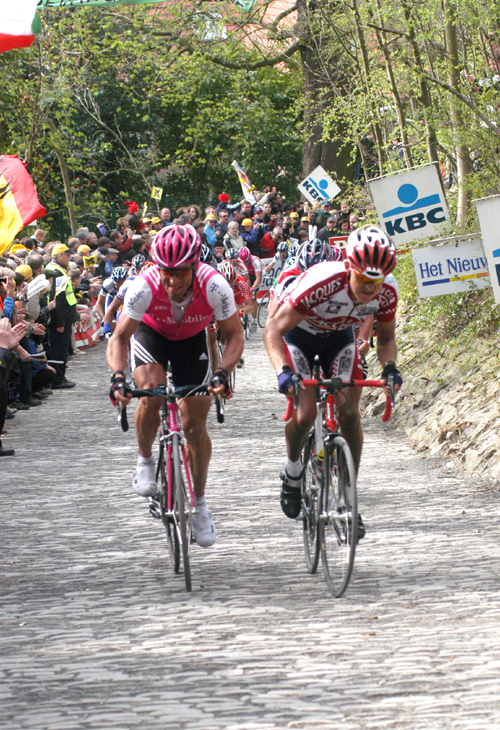 Steffen Wesemann and Dave Bruylants attack on the grammont