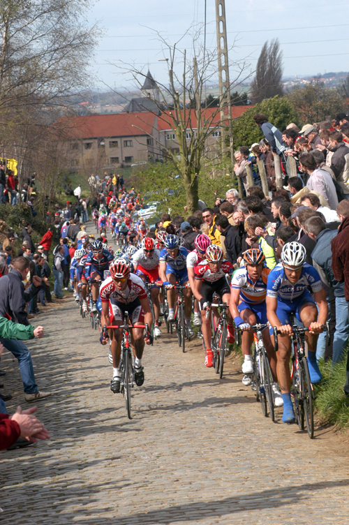 Tom Boonen climbs the old Kwaremont