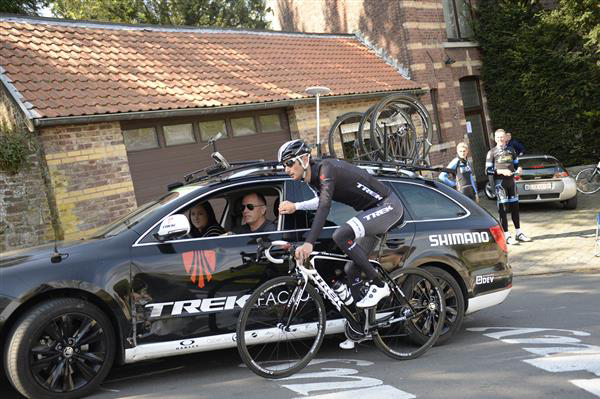Frank Schleck has a chat