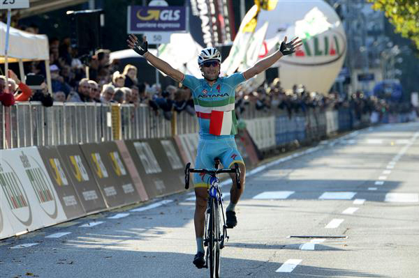 Vincenzo Nibali wins Tour of Lombardy