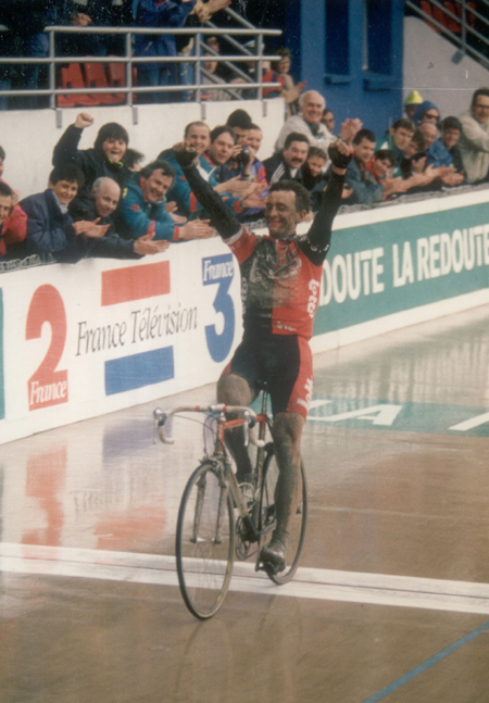 Andrei Tchmil wins the 1994 Paris-Roubaix