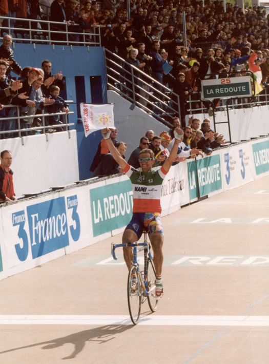 Andrea Tafi wins 1999 Paris-Roubiax