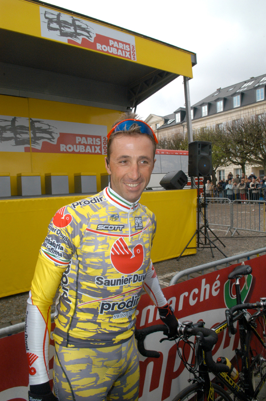 Andrea Tafi before the start of the 2005 Paris-Roubaix