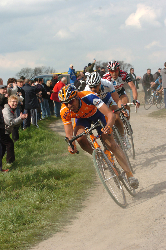 Juan Anotnio Flecha leads Tom Boonen and Fabian Cancellara