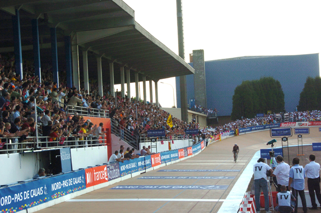 Stoart O'Grady on the Roubaix velodrome