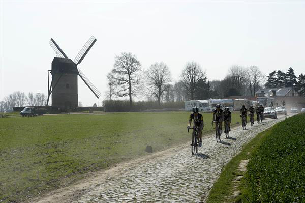 MtN-Qhubeka on the Moulin de Vertain cobbles