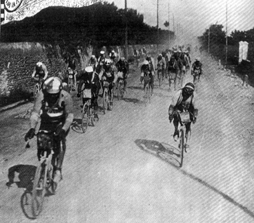 The peloton in stage 1