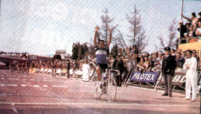 Franco Bitossi wins stage 1