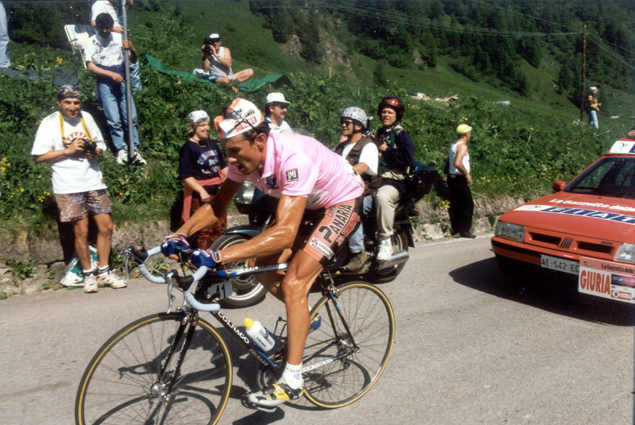 Pavel Tonkov wins the Giro