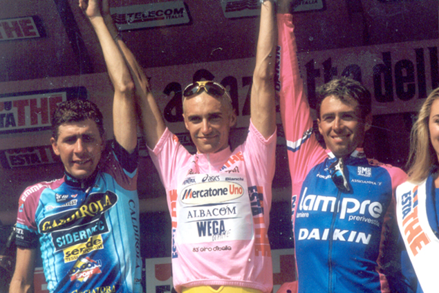 Stefano Garzelli on the final podium with Casagrande and Simoni