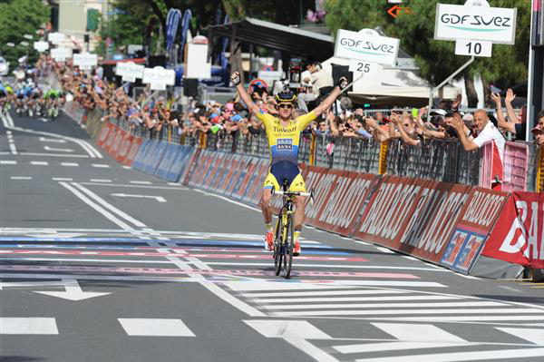 Michael Rogers wns stage 11
