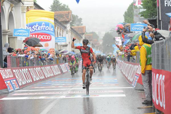 Philippe Gilbert wins stage 12