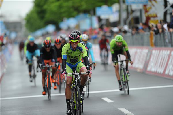 Alberto Contador finishes stage 13