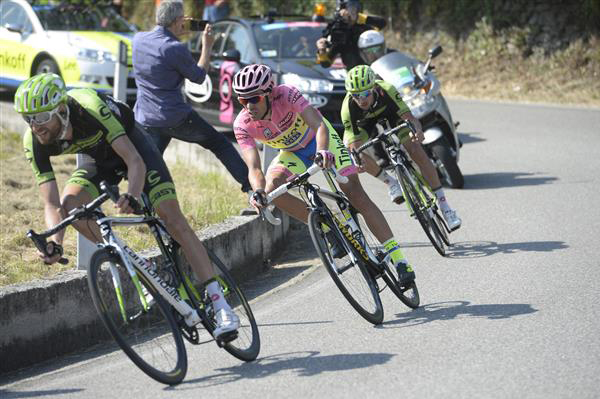 Alberto Contador on the descent