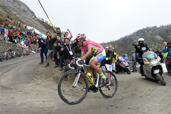 Alberto Contador on the Finestre