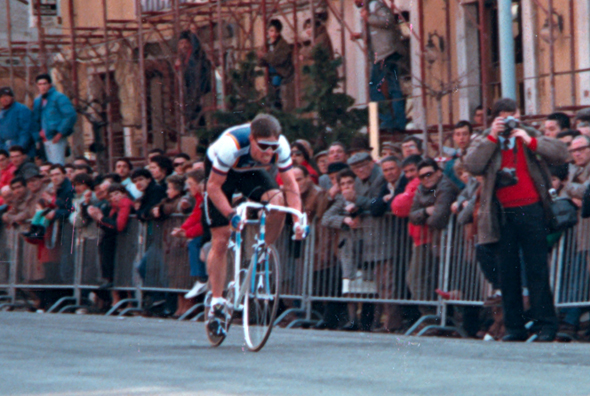 Phil Anderson races the 1987 Tirreno Adriatico prologue