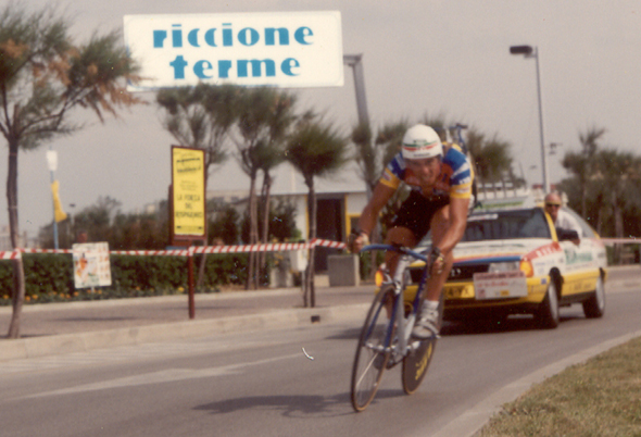 Phil Anderson time trials in the 1989 Giro