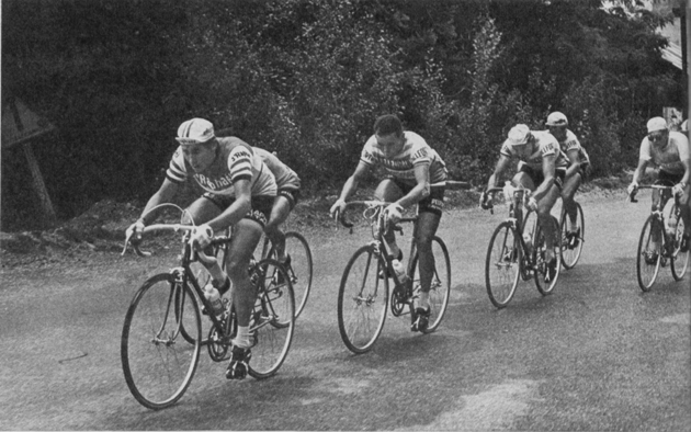 Anquetil leads a small group in the 1964 Tour de France