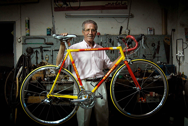 Federico Bahamontes in his bike shop.