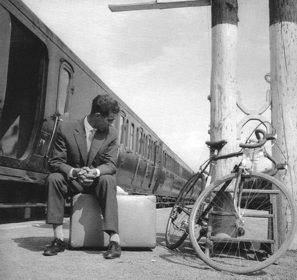 Federico Bahamontes at train station after 1960 Tour de France