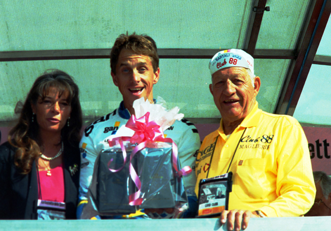 Gino Bartali with greg LeMond after stage 14 of the 1993 Giro