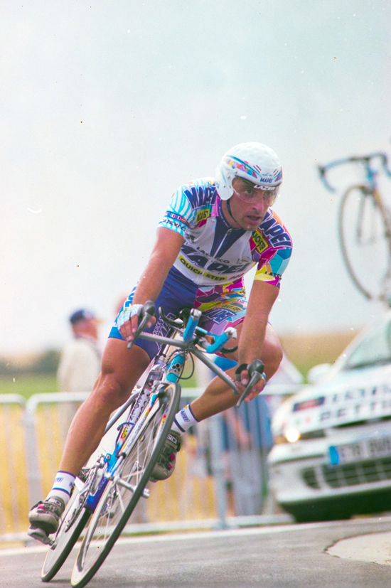 Paolo Bettini in the 2000 Tour de France