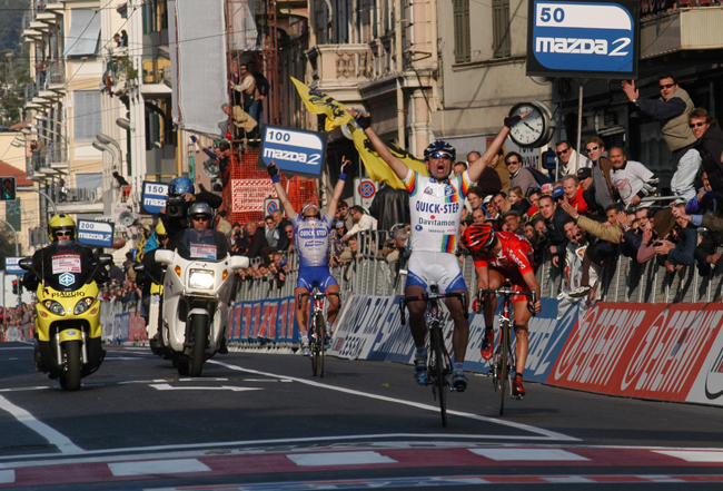 Paolo Bettini wins the 2003 Milano-san Remo