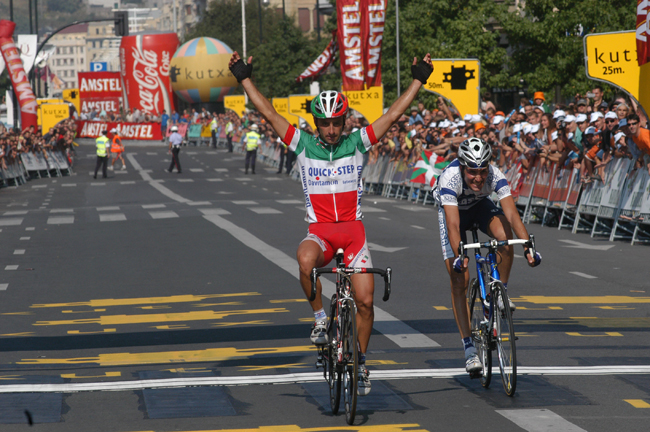 Paolo Bettini wins 2003 Clasica San Sebastian