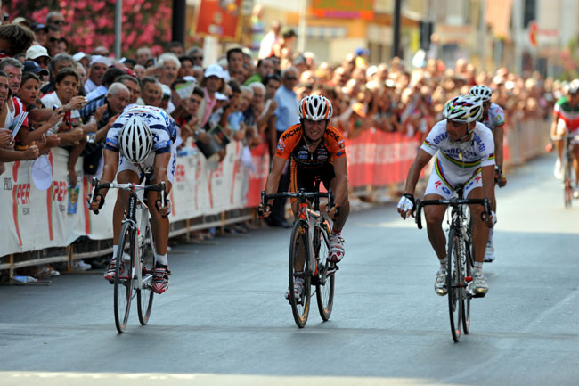 Paolo Bettini wins the 2008 Trofeo matteotti