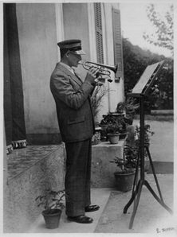 Alfredo Binda playing the trumpet
