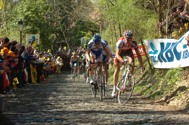 Philippe Gilbert leads Tom Boonen