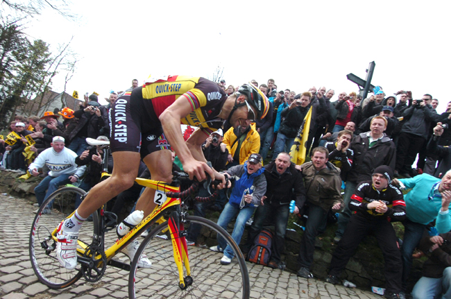 Tom Boonen on the grammont in the 2010 Tour of Flanders