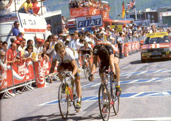 Gianni Bugno beats Greg LeMond in stage 11 of the Tour de France