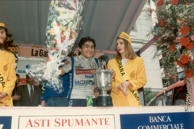 Chiappucci celebrates his 1991 Milano-San Remo win