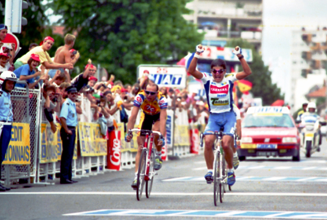 Chiappucci wins stage 17 of the 1993 Tour de France