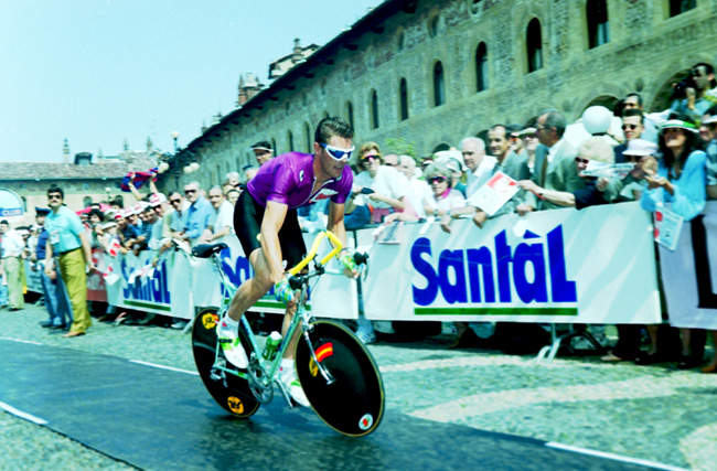 Cipollinji time trials in the final stage of the 1992 Giro d'Italia