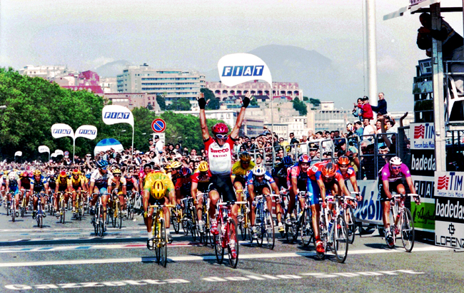 Cipollini wins stage 8 of the 1996 Giro d'Italia