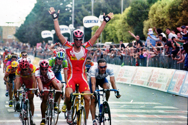 Cipo wins the 2000 Giro's 4th stage