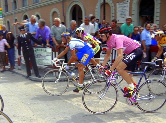 Fingon and Gianni Bugno in stage 6 of the 1990 Giro d'Italia