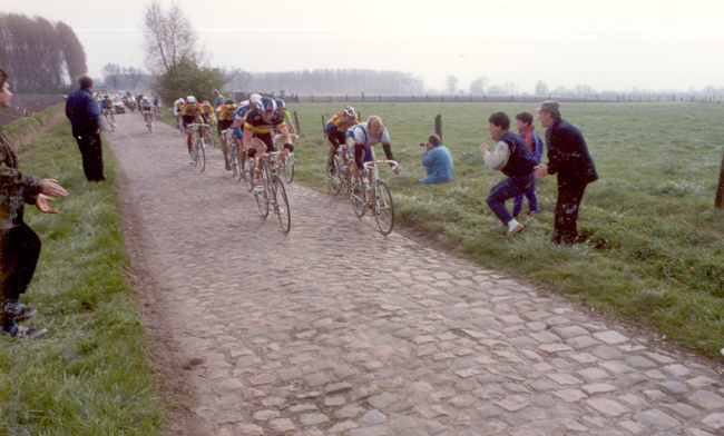 Fignon on the cobbles of the 1990 Paris-Roubaix