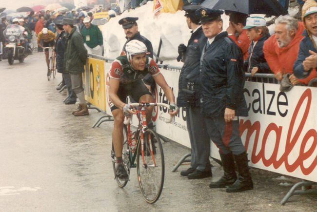 Hampsten rides to Tre Cime di Lavaredo in the 1989 Giro d'Italia